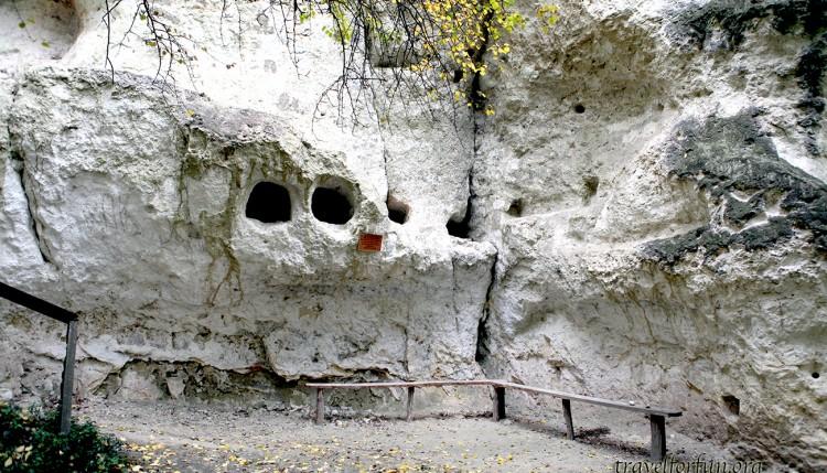 пещерный монастырь