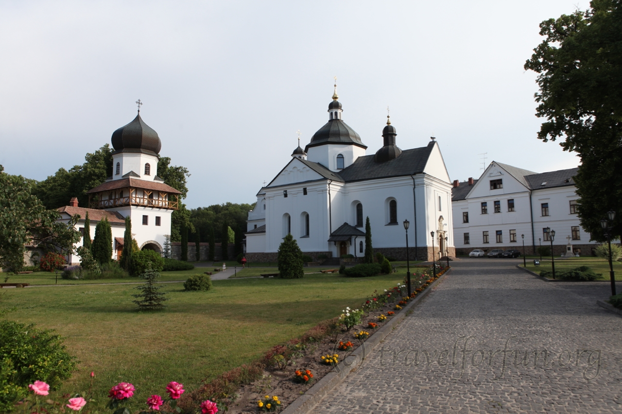 Krekhiv monastery