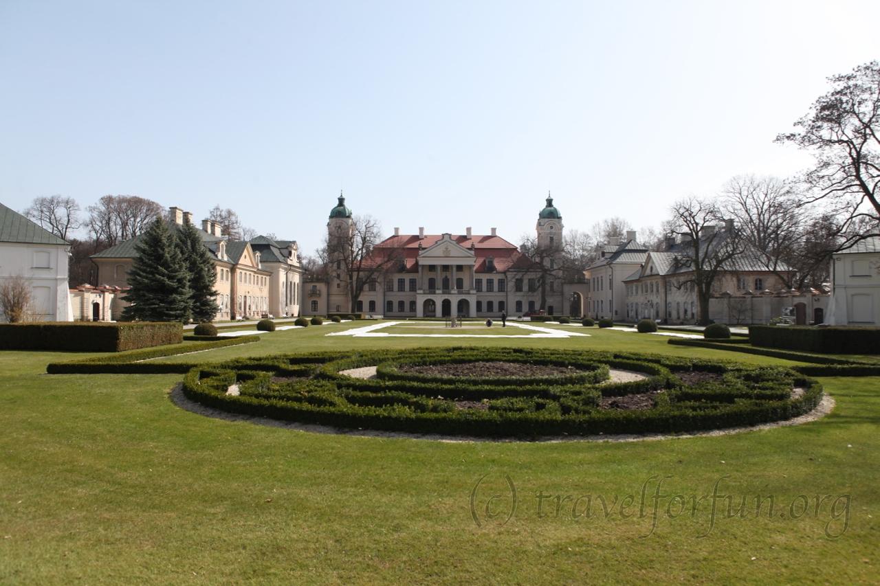 Дворец Замойских в Козлувке, Польша