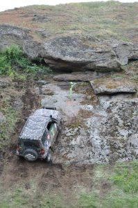 Suzuki jimny на скале