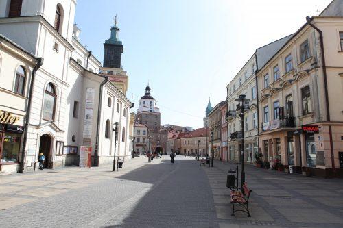Городская ратуша и Краковские ворота