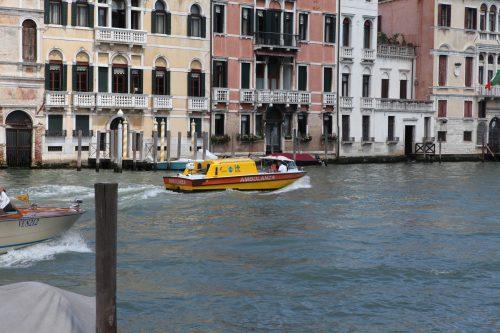 Скорая помощь в Венеции