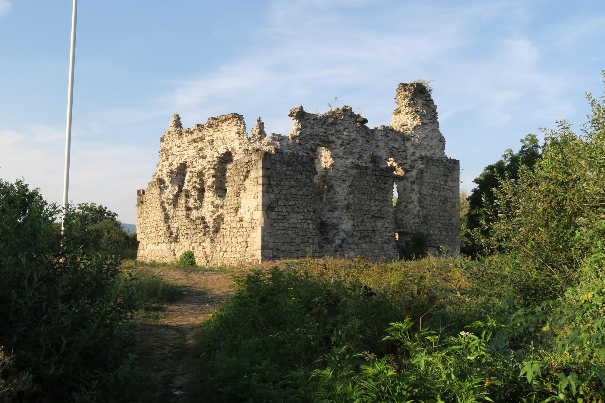 Замок тамплиеров на Закарпатье
