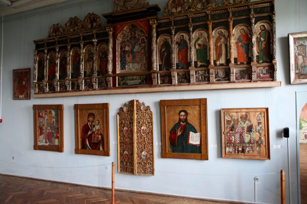 Выставка икон в музее замка