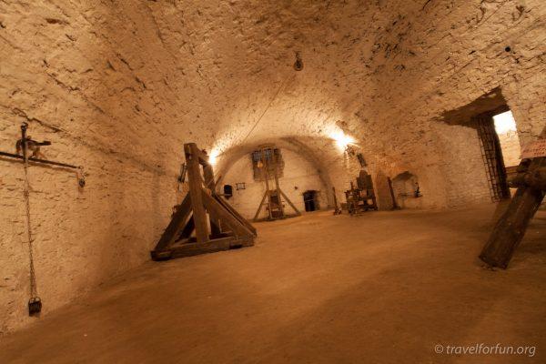 Камера пыток дубенского замка