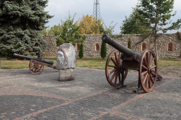Пушки в дубенском замке