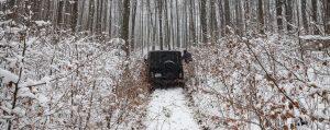 УАЗ застрял в горах в снегу
