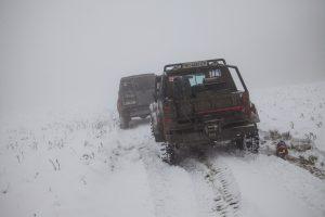 Уаз и патрол зимой в горах