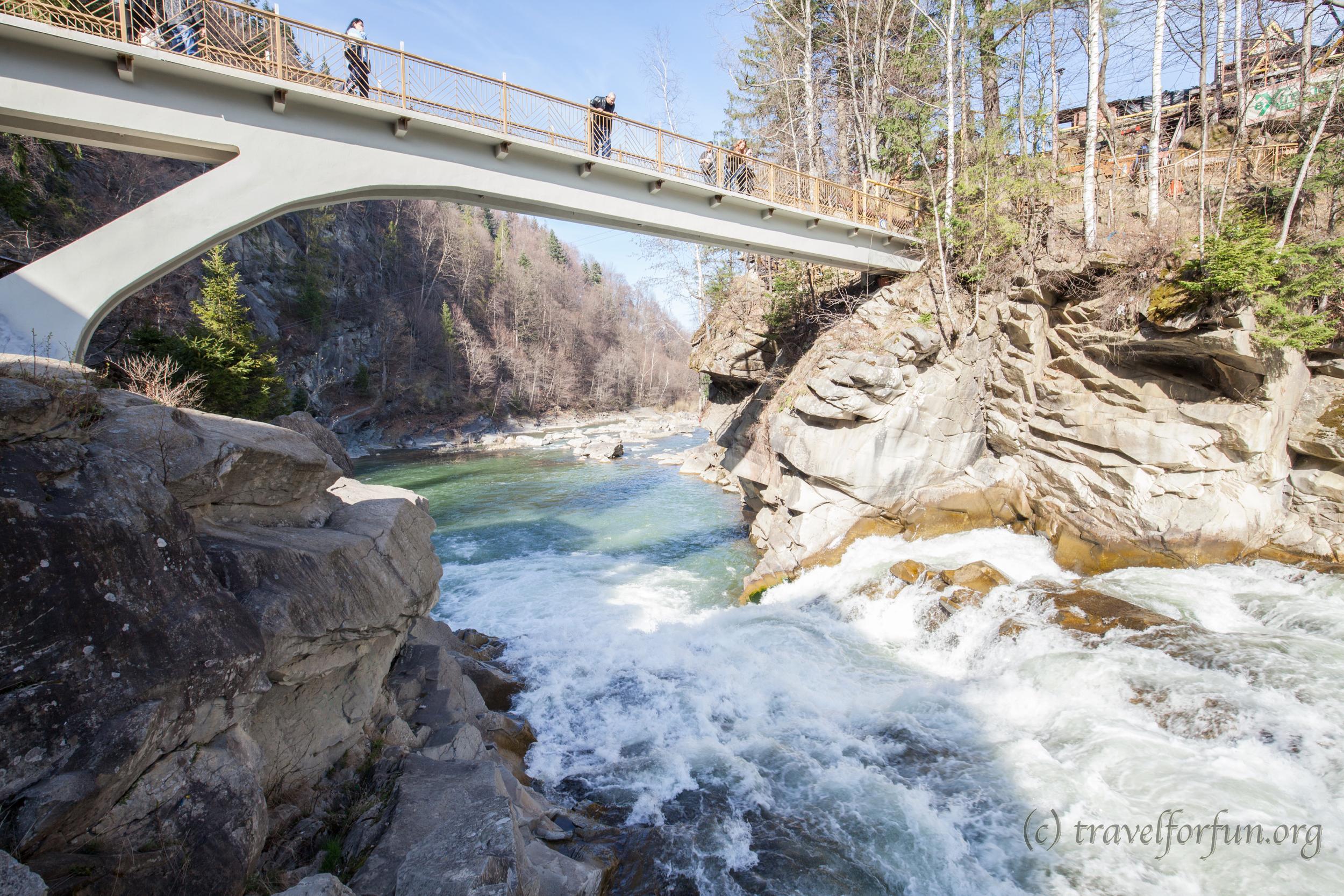 Водопад Пробий — визитная карточка Яремче