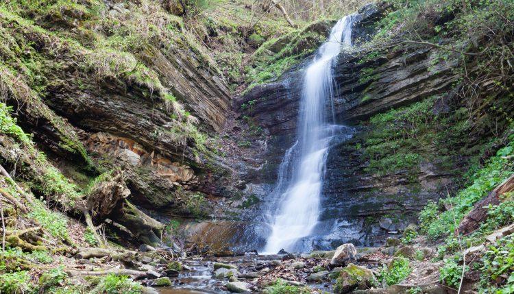 Водопад Лазный