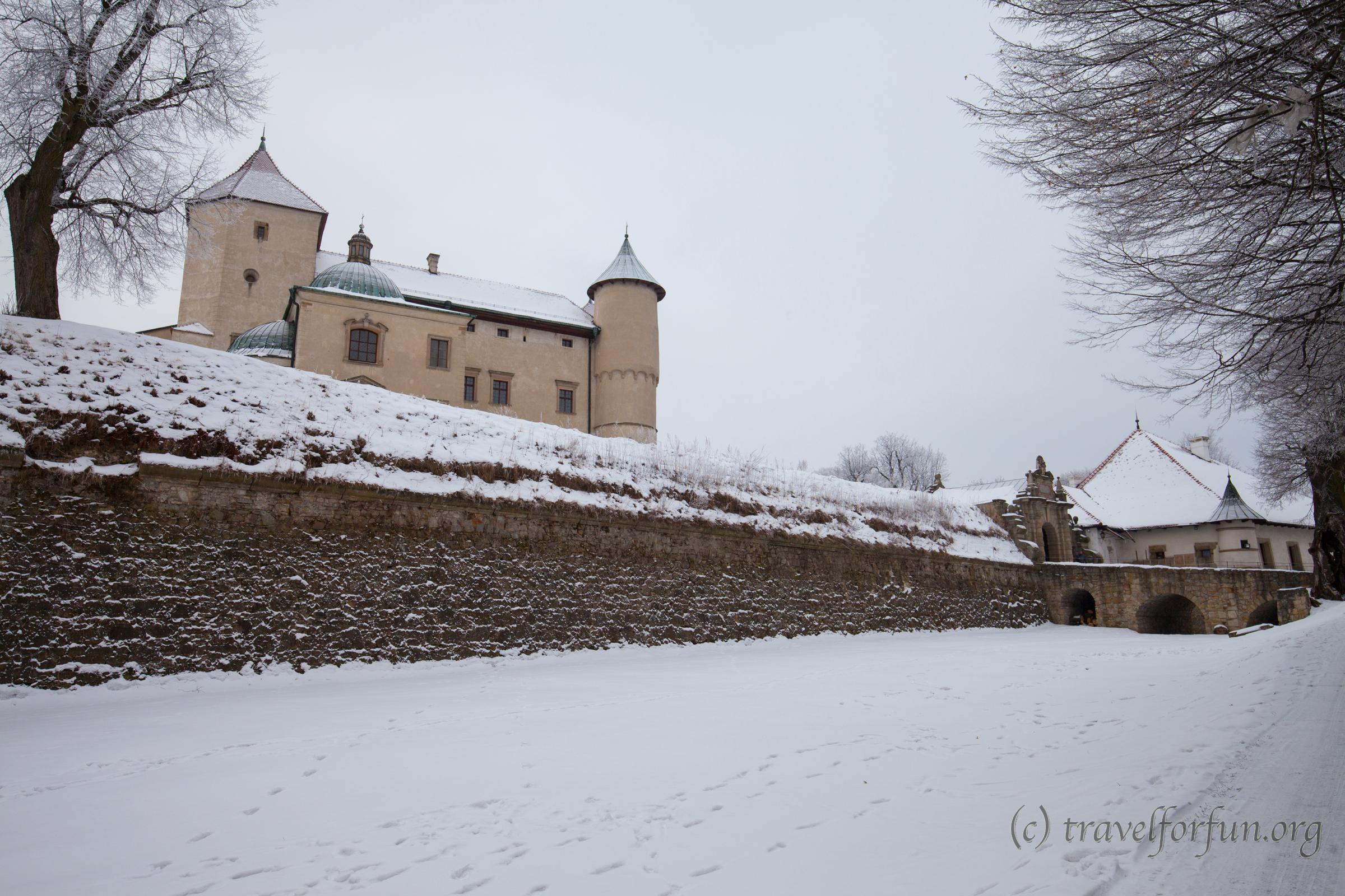 Замок Новий Вісніч в Польщі