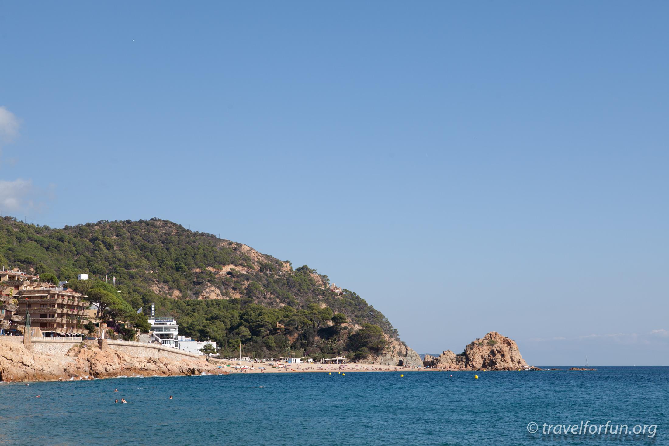 Тосса де Мар. Прогулянка на катері вздовж узбережжя. Пляж Жіверола